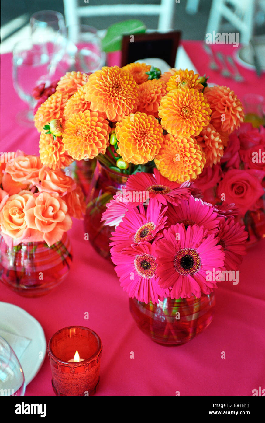 Hochzeitsblumen Bunte Blumen An Einem Hochzeitsbankett Stockfoto