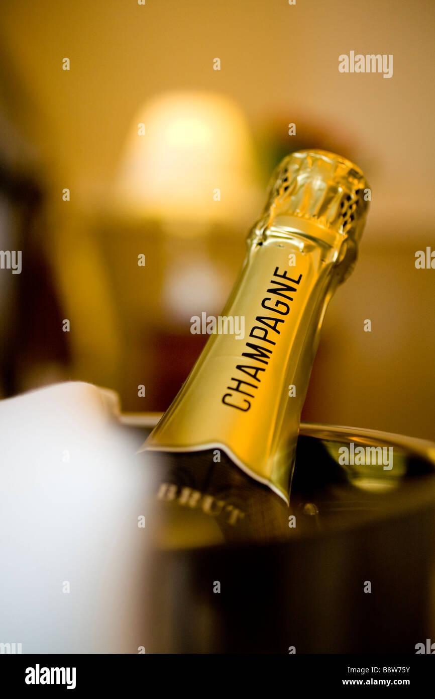 Champagner Flasche Schlafzimmer Hotel Isle Of Wight, England UK Stockbild