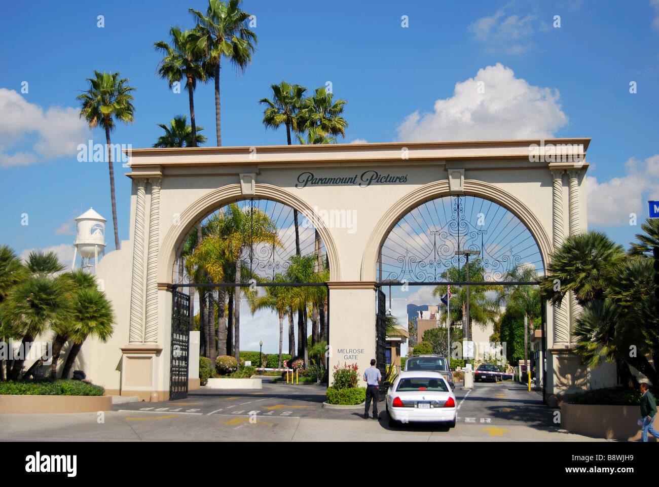 Eingang zu Paramount Studios, Melrose Avenue, Hollywood, Los Angeles, California, Vereinigte Staaten von Amerika Stockfoto