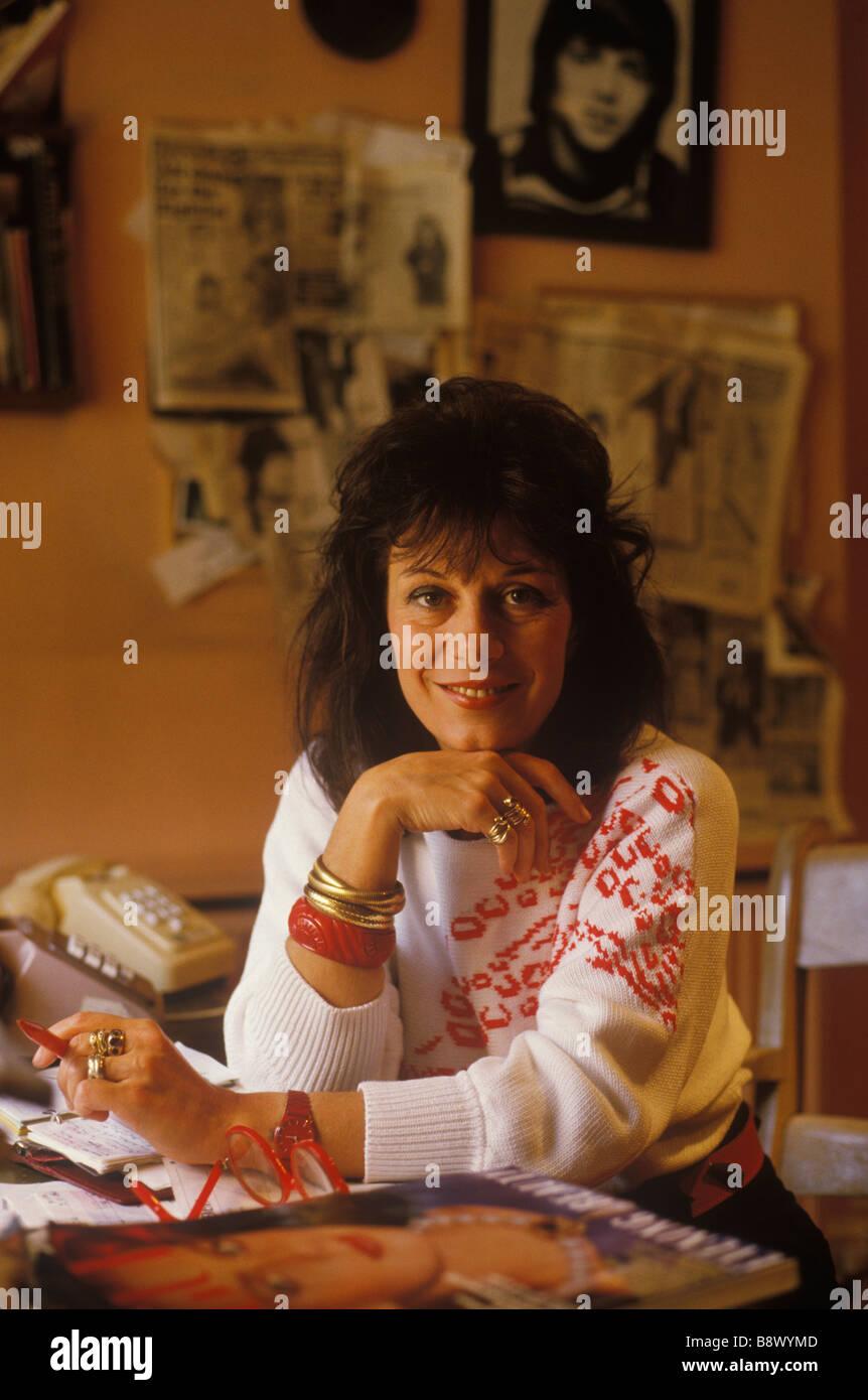 Lee Bender Fashion Designer Circa 1980. Sie war berühmt für die Gestaltung der Kleidung der Frauen für Stockbild