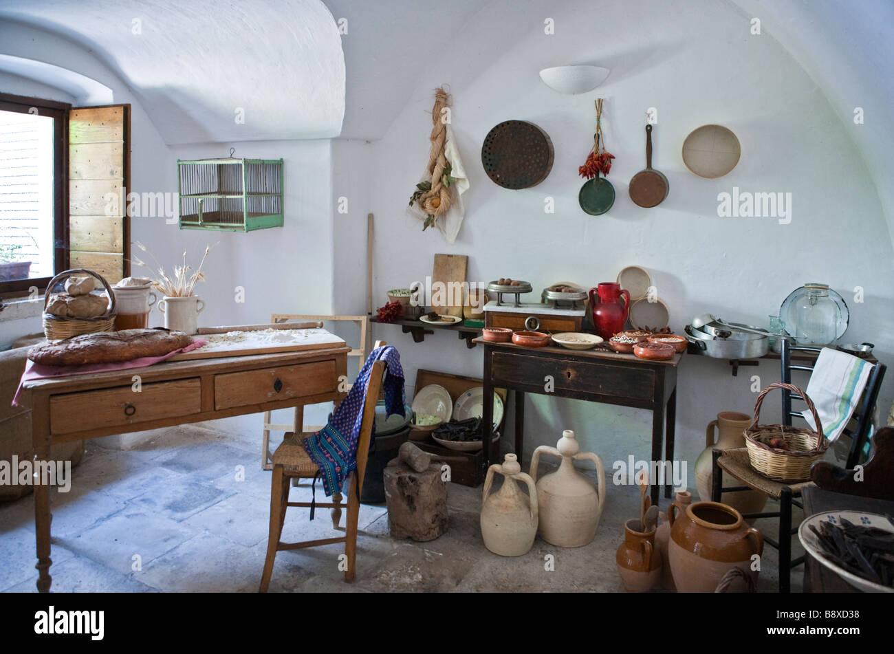 Italien-Alberobello innen der Trulli Häuser des feudalen Zeitalters ...