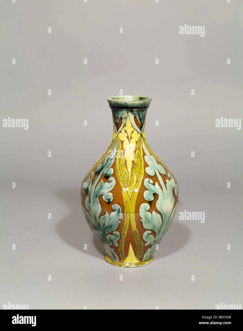 Della Robbia Vase Mit Muster Grün Braun Und Gelb In Den Morgen Zimmer