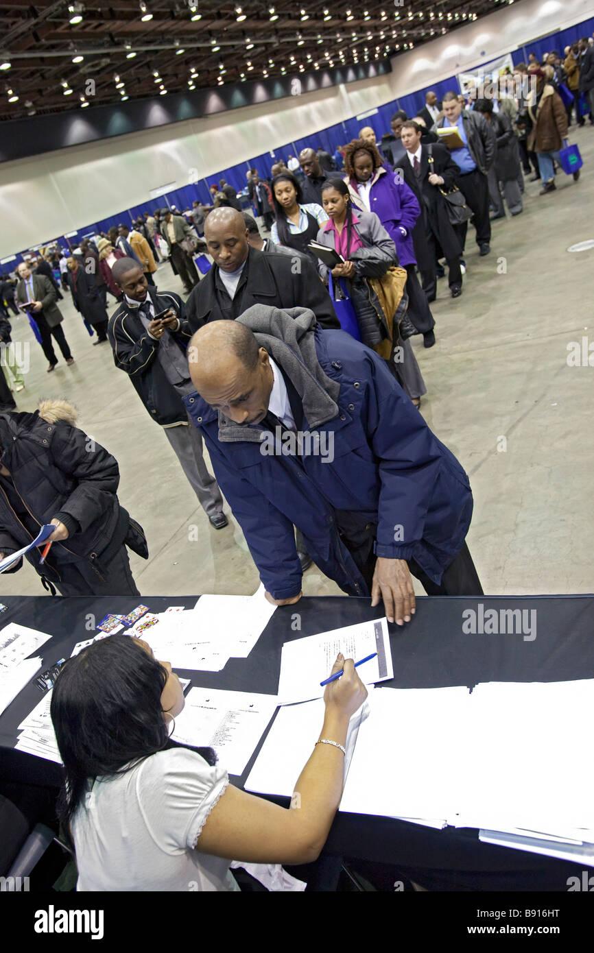 Arbeitslose suchen Arbeit an Jobmesse Stockfoto