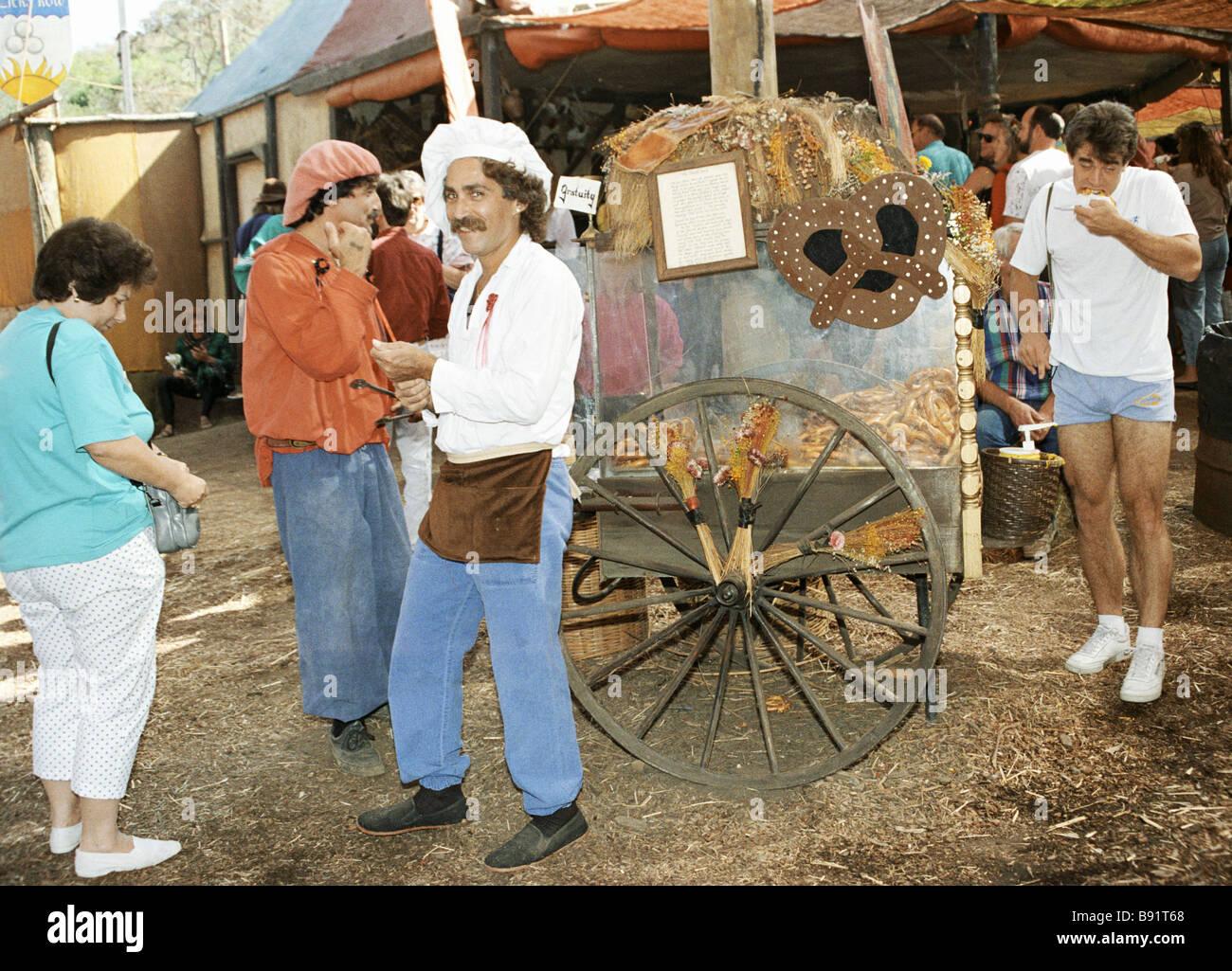 Verkäufer von heißen Boubliks der Renaissance Genuss Fair San Francisco Stockbild