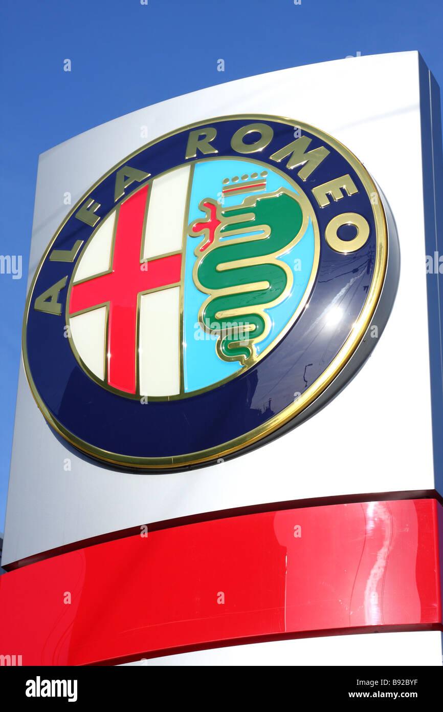Ein Alfa Romeo Händler in einer Stadt, U.K. Stockbild
