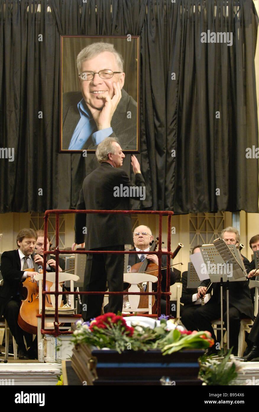 Die letzte Hommage an Komponisten Andrei Petrov fand im großen Saal der Philharmonie statt. Stockbild
