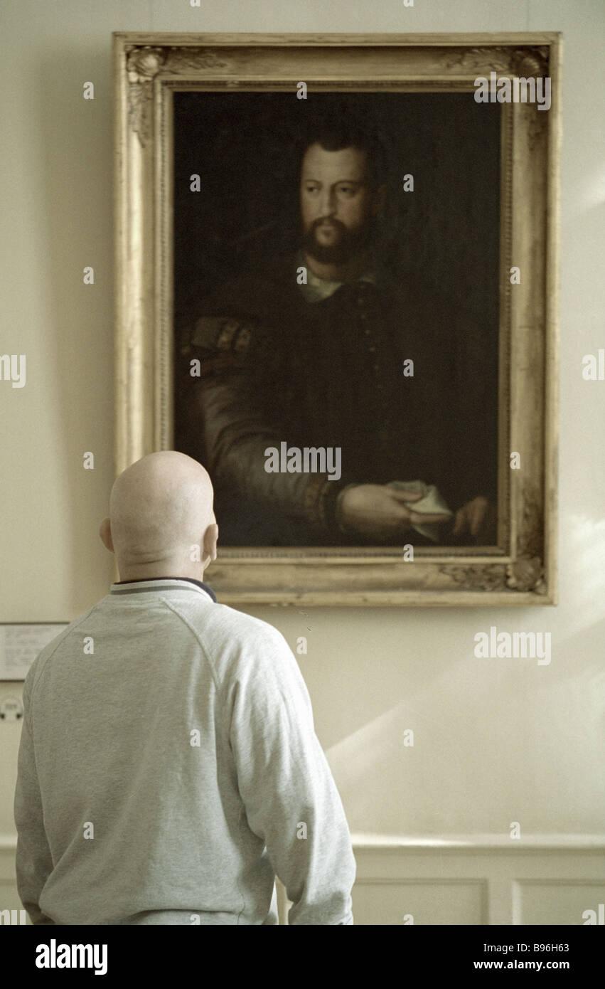 Ein Besucher, der Pushkin State Museum of Fine Arts Stockbild