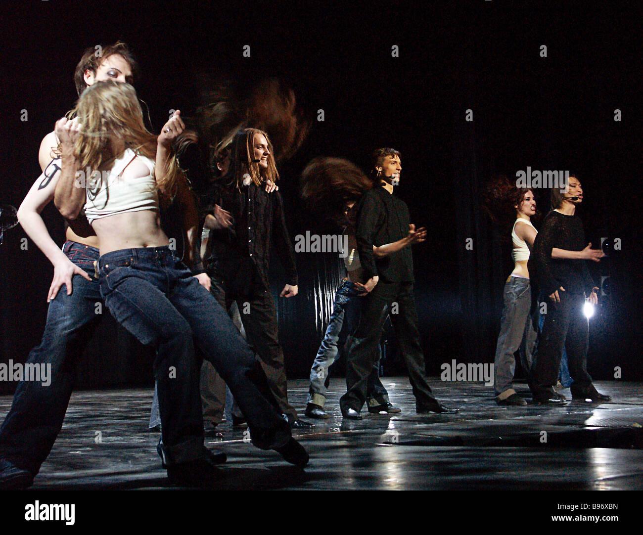 Szene aus russischen musical Romeo und Julia unter der Regie von französischen Choreographen Redha Beintefour Stockbild