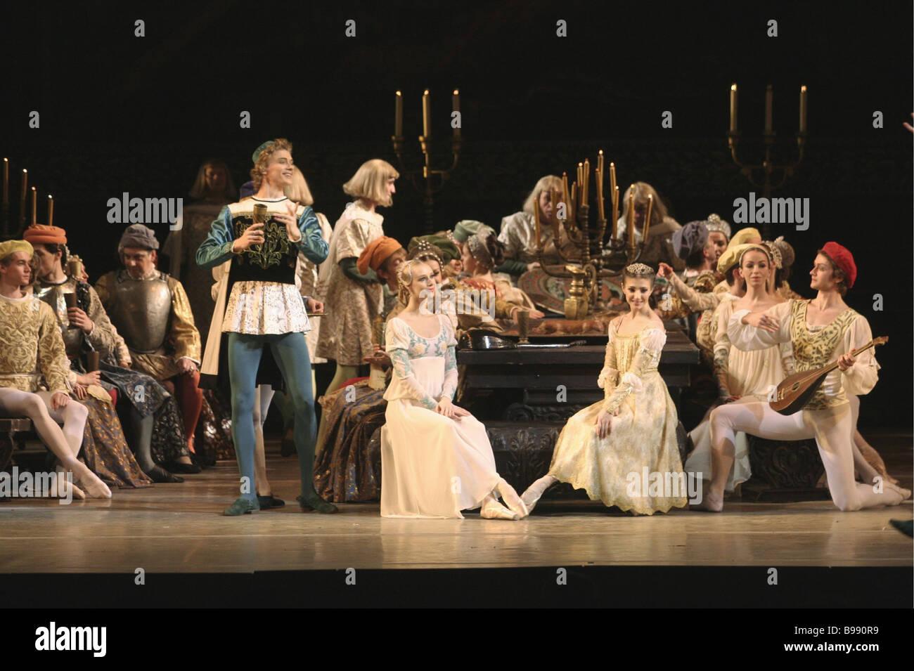 Szene aus Romeo und Julia an staatlichen akademischen Mariinsky-Theater während der siebten Mariinssky International Stockbild