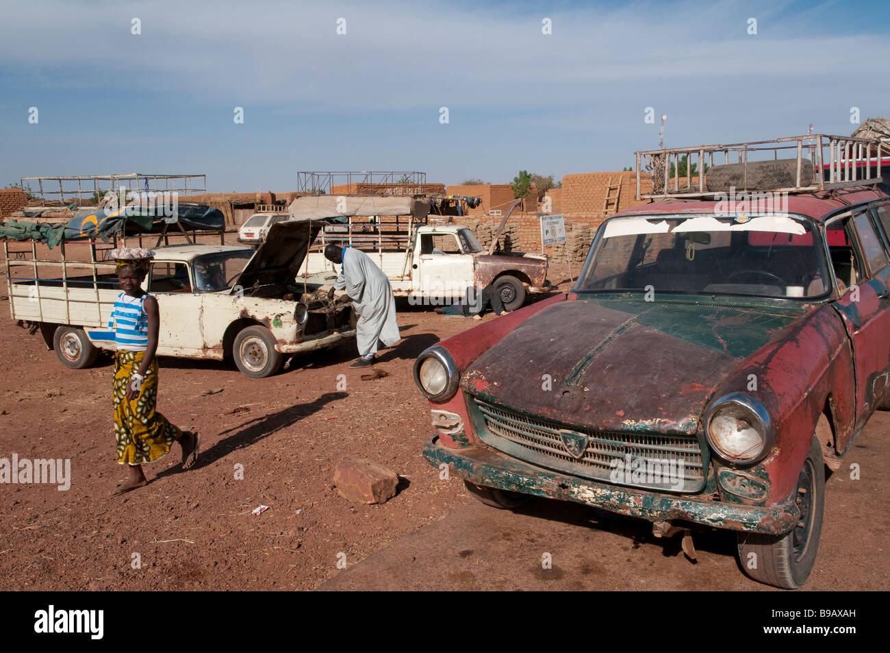 west afrika mali stra e bamako mopti alt 504 peugeot autos. Black Bedroom Furniture Sets. Home Design Ideas