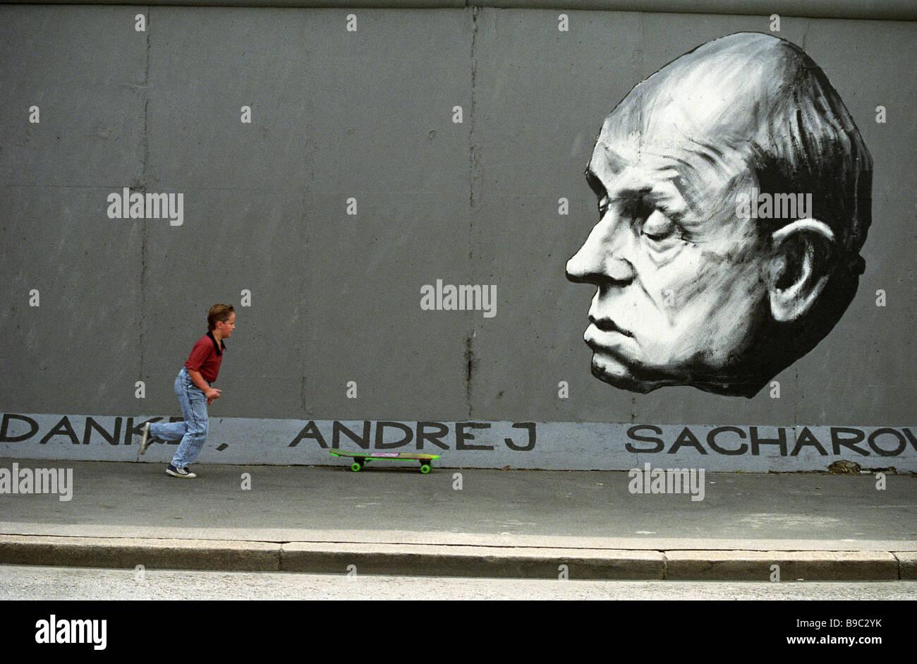 Die politischen Ereignisse des späten 20. Jahrhunderts spiegelt sich auf den verbleibenden Teil der Berliner Stockbild
