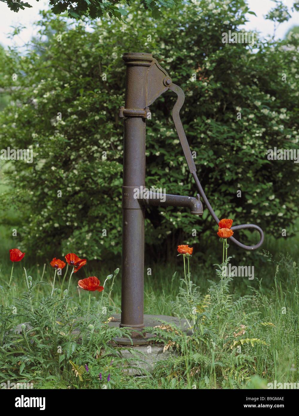 Alte Garten Brunnen Garten Kredit Brunnen Wasser Pumpe Brunnen Welle  Grundwasser Wasserversorgung Wasser Unterstützung Pumpe Mohn Sommer Design Ideas
