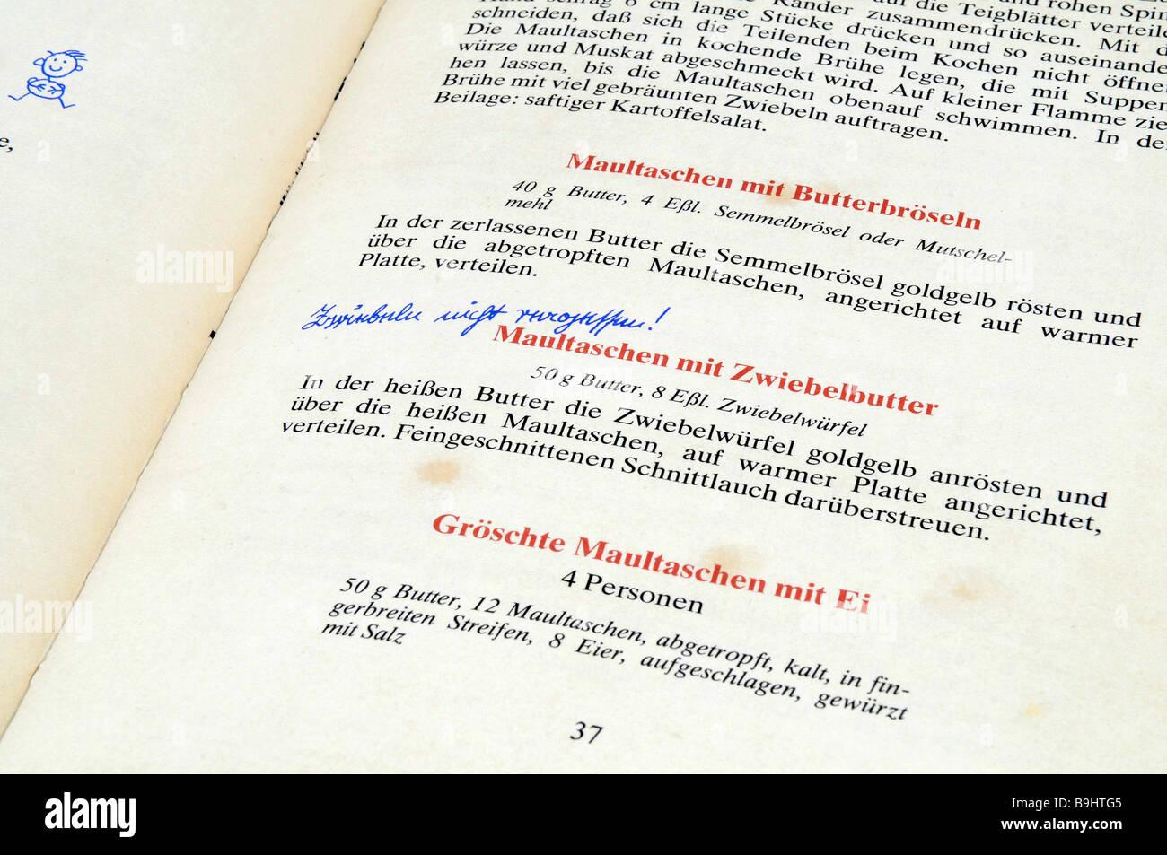 Rezepte in eine viel genutzte schwäbische Kochbuch Stockbild