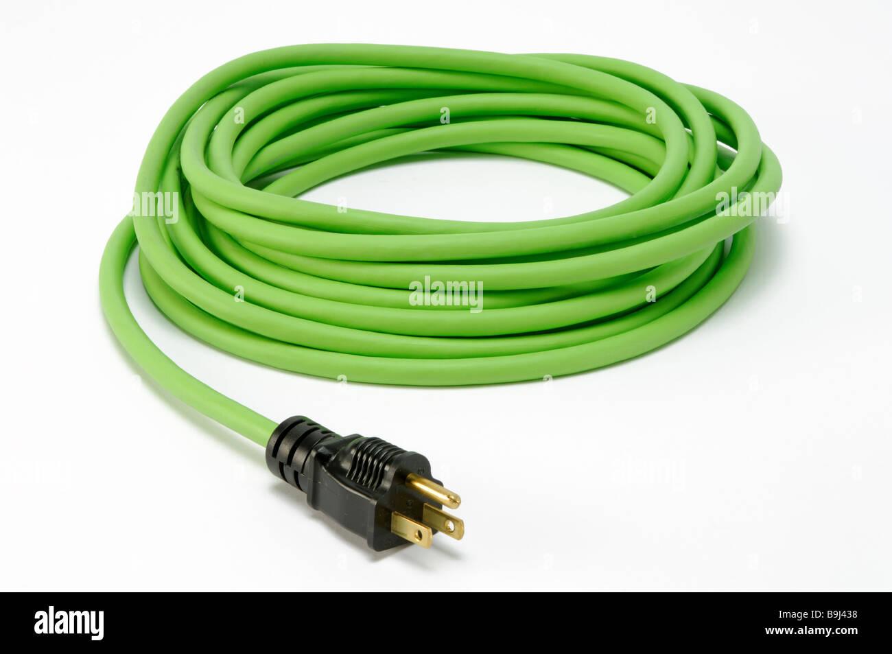 Ein gewickelten grüne elektrische Strom Verlängerungskabel mit einem ...