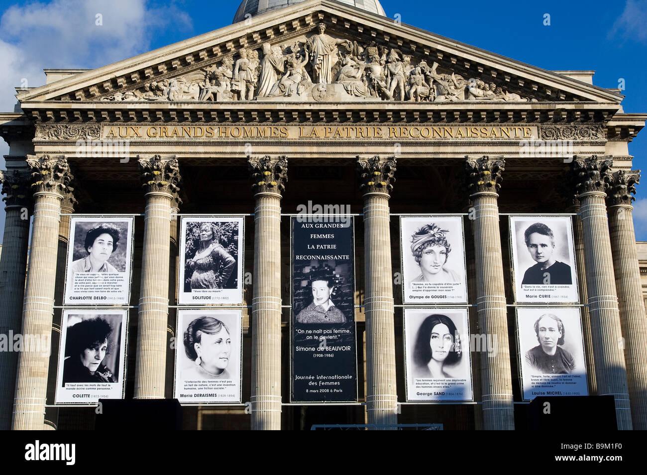Frankreich, Paris, Pantheon, Plakate berechtigt Aux Grandes Femmes la Patrie Reconnaissante (dem Mutterland ist Stockbild