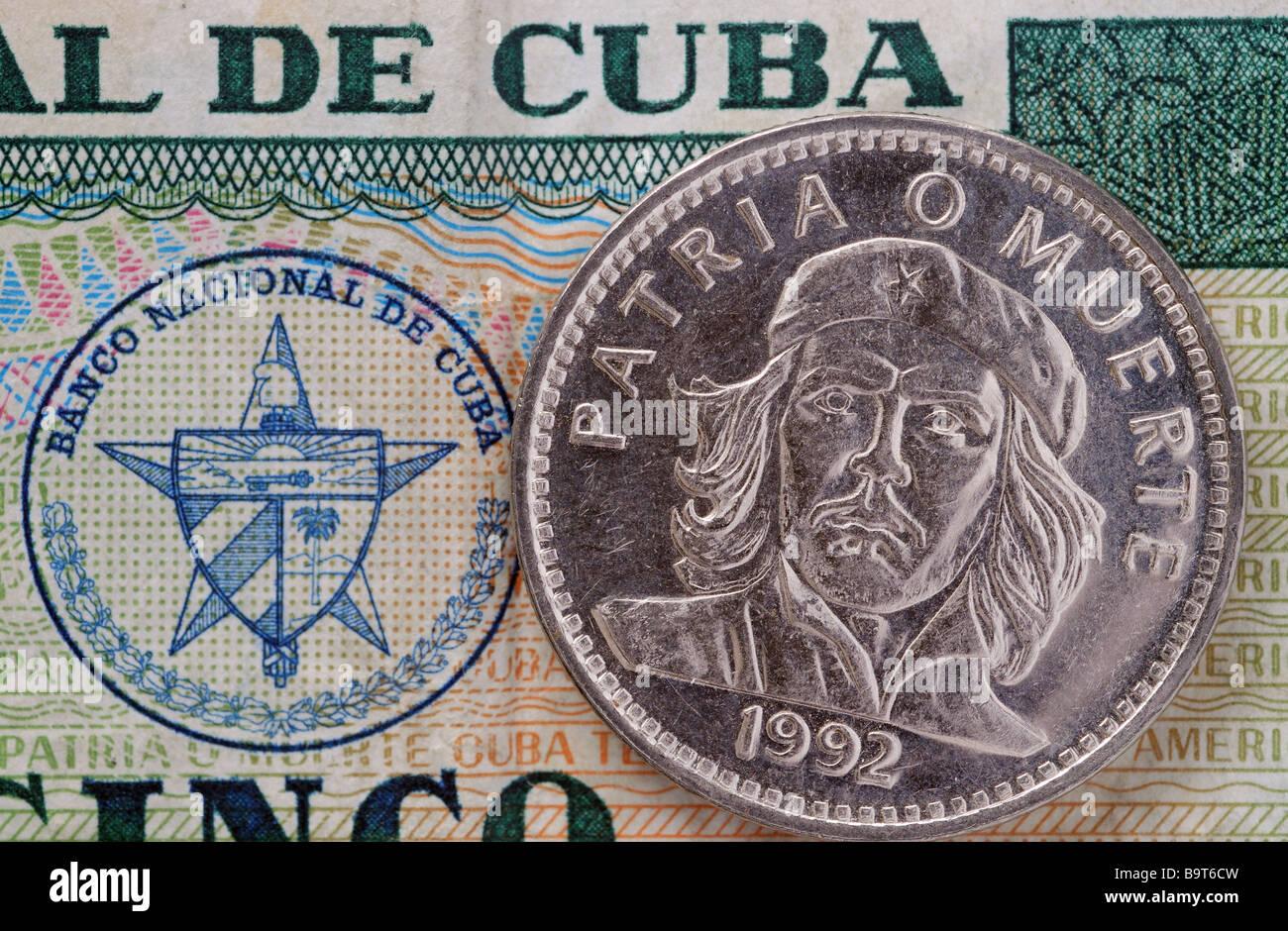 Eine kubanische Münze mit dem Porträt von Che Guevara Stockbild