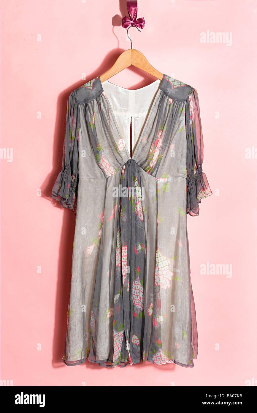 Topshop Celia Birtwell Kleid auf Kleiderbügel Stockbild