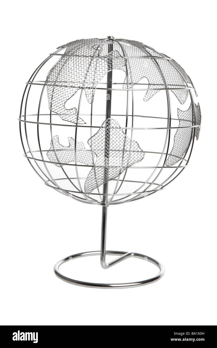 Metalldraht Globus isoliert auf weißem Hintergrund Stockbild