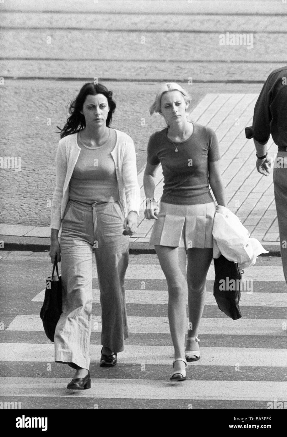 Mädchen in den 20er jahren aus mann in den 40er jahren