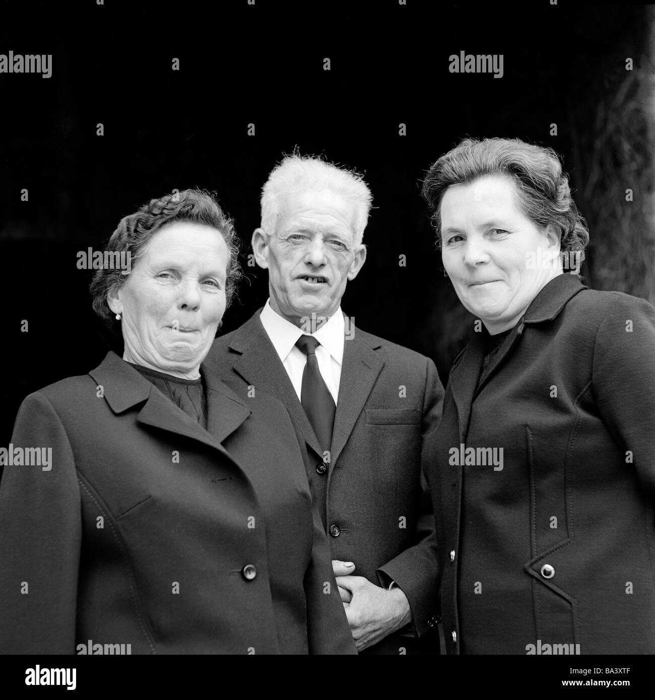 70er Jahre Schwarz Weiss Foto Menschen Altere Menschen Zwei
