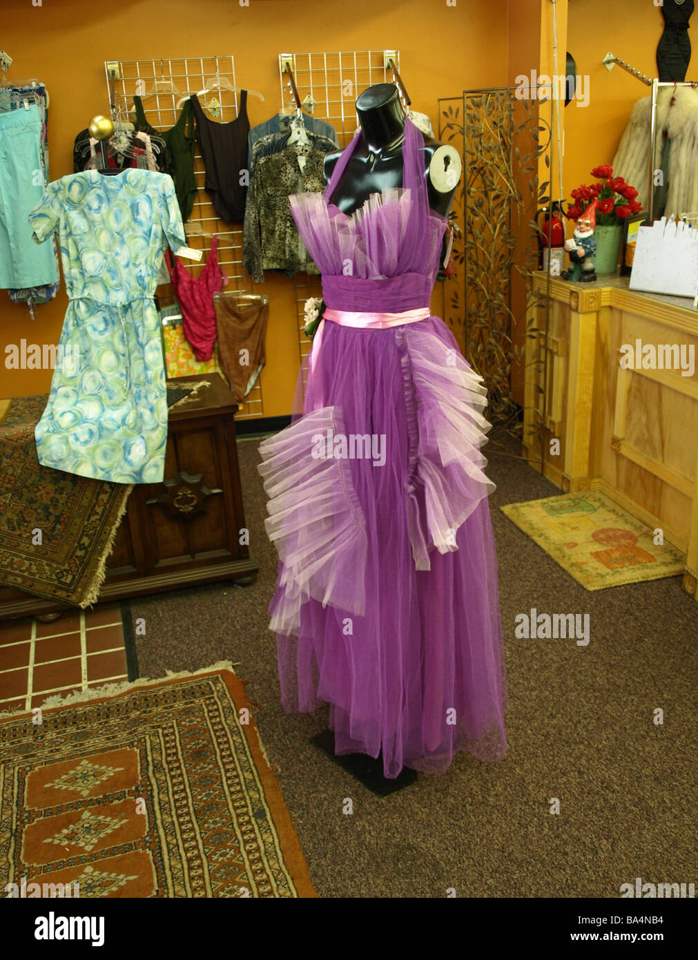 Prom Dress Stockfotos & Prom Dress Bilder - Alamy