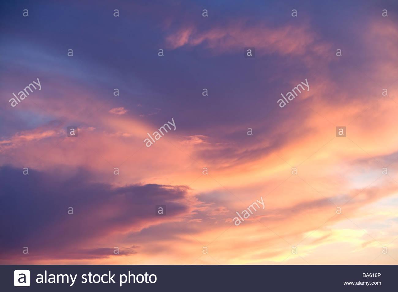 Bunte Wolken Himmel Stockbild