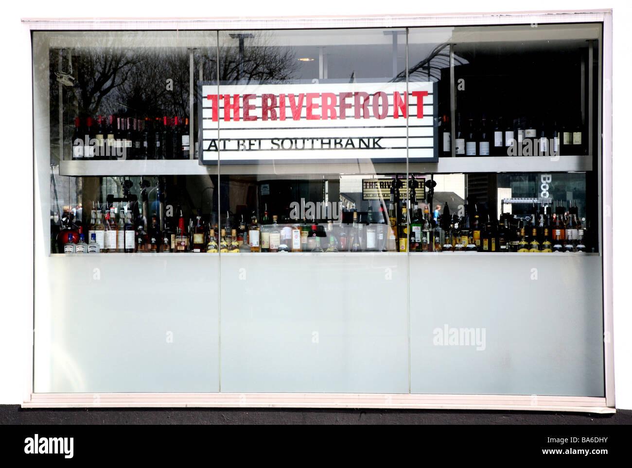 British Film Institute Bar, South Bank, London Stockbild