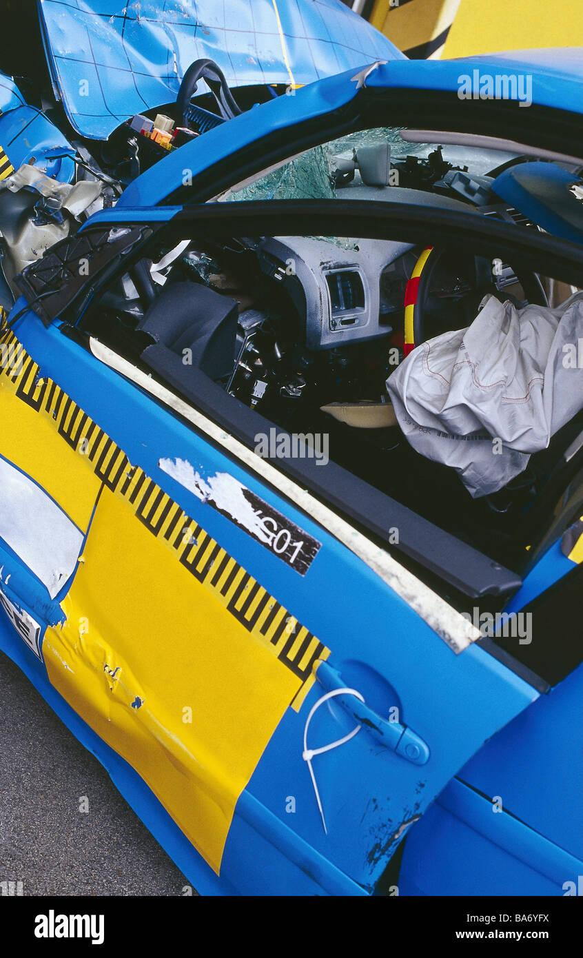 Crashtest-Testfahrzeug Seite-Ansicht Detail Serie PKW Auto Fahrzeug ...
