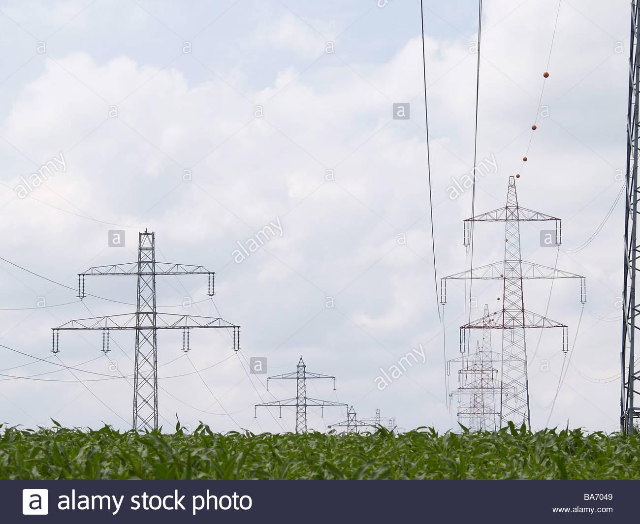 Großzügig Geschlungenes Kabel Fotos - Schaltplan Serie Circuit ...