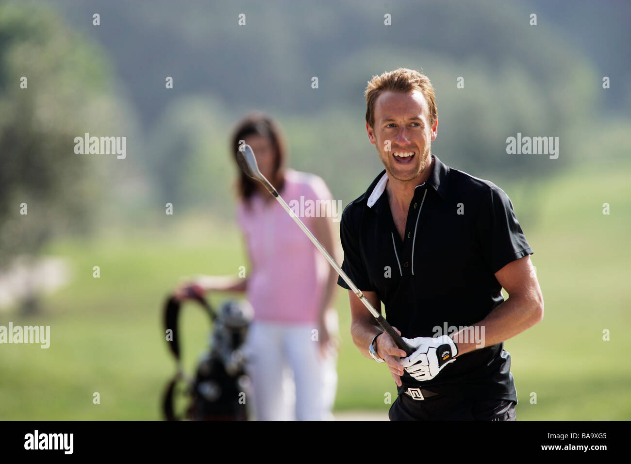 eine skandinavische mann spielt golf italien stockfoto. Black Bedroom Furniture Sets. Home Design Ideas