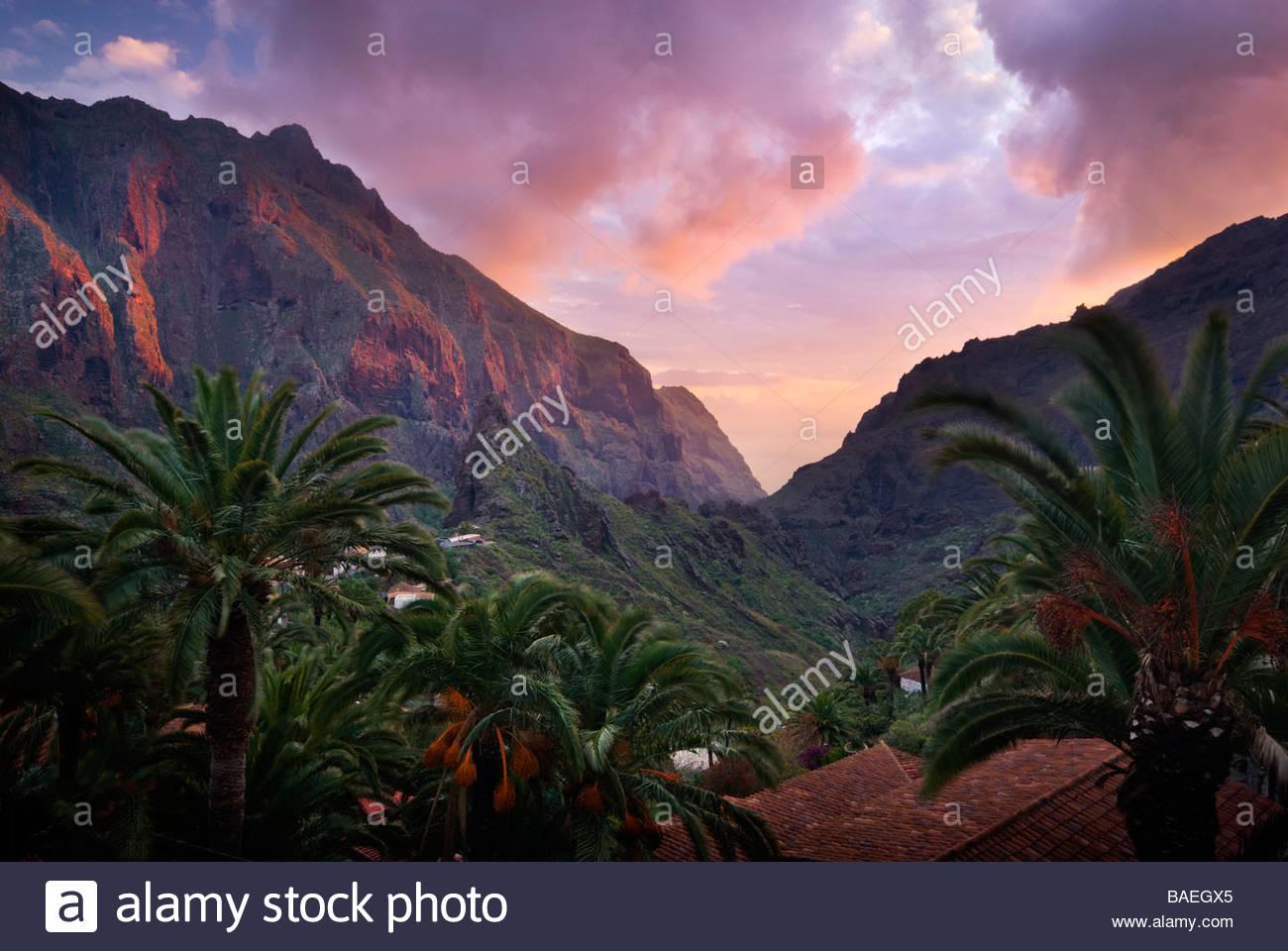 Das Dorf Masca, Teneriffa, Kanarische Inseln, Spanien. Stockbild