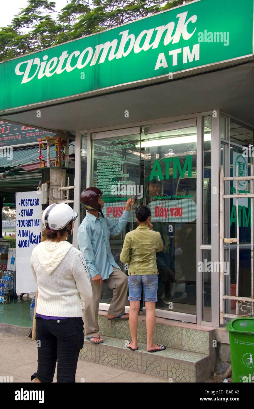 Geldautomat in Hue, Vietnam Stockbild