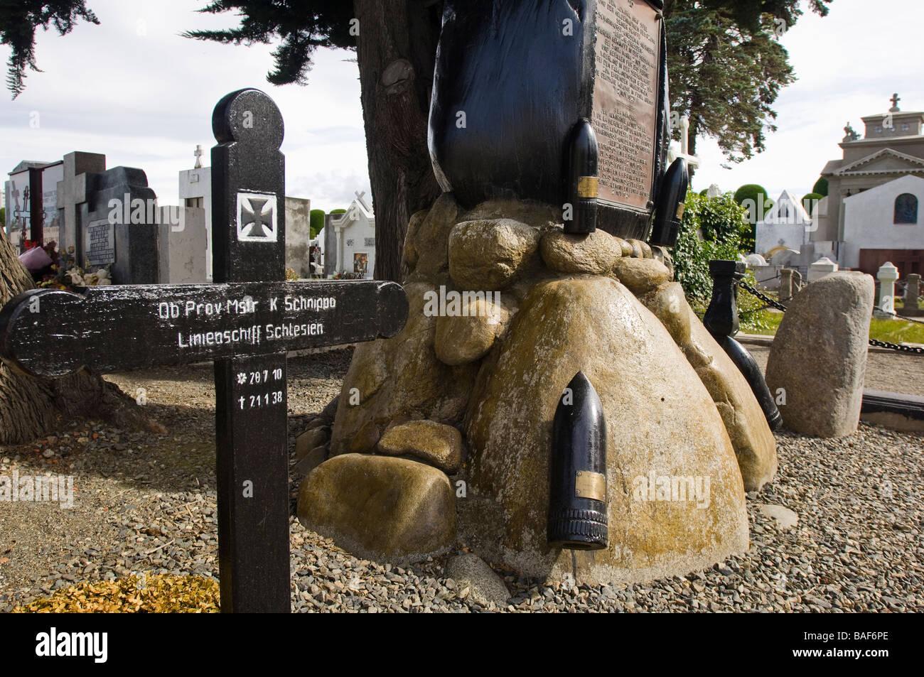 Denkmal und Grab auf der Admiral Graf Spee in der historischen städtischen Friedhof in Punta Arenas, Chile, Stockbild