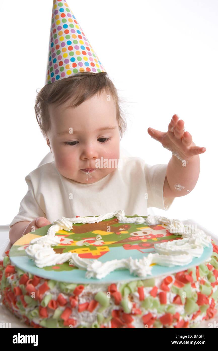 Erster Geburtstag Mit Party Hut Und Geburtstag Kuchen Stockfoto