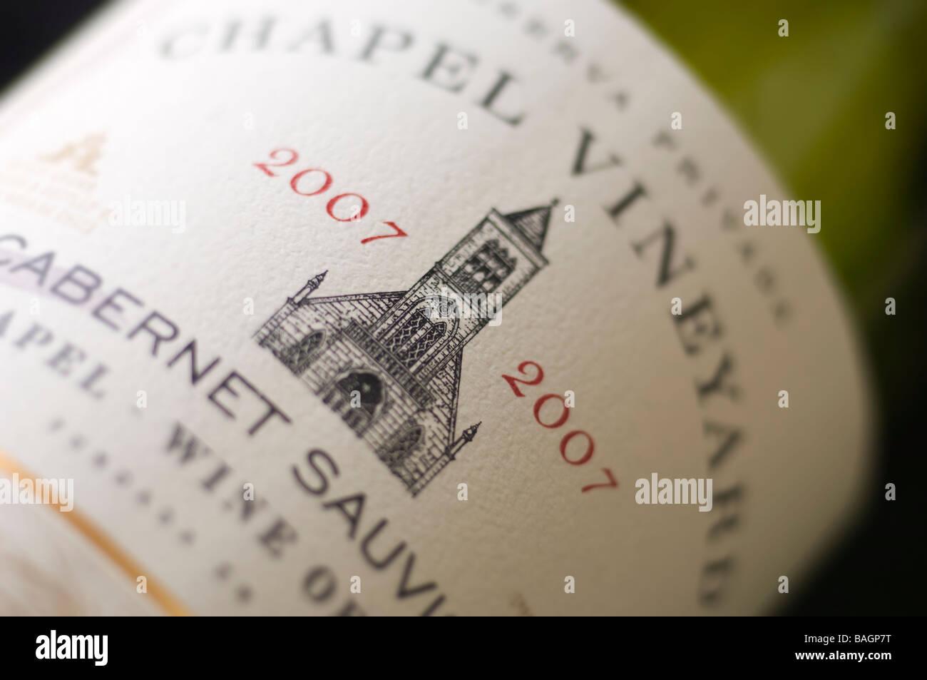 Los Rosales Kapelle Weinberg Cabernet Sauvignon Weinflasche Etikett closeup Stockbild