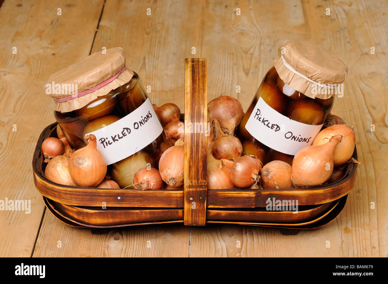 Two Pickled Onions Stockfotos & Two Pickled Onions Bilder - Alamy