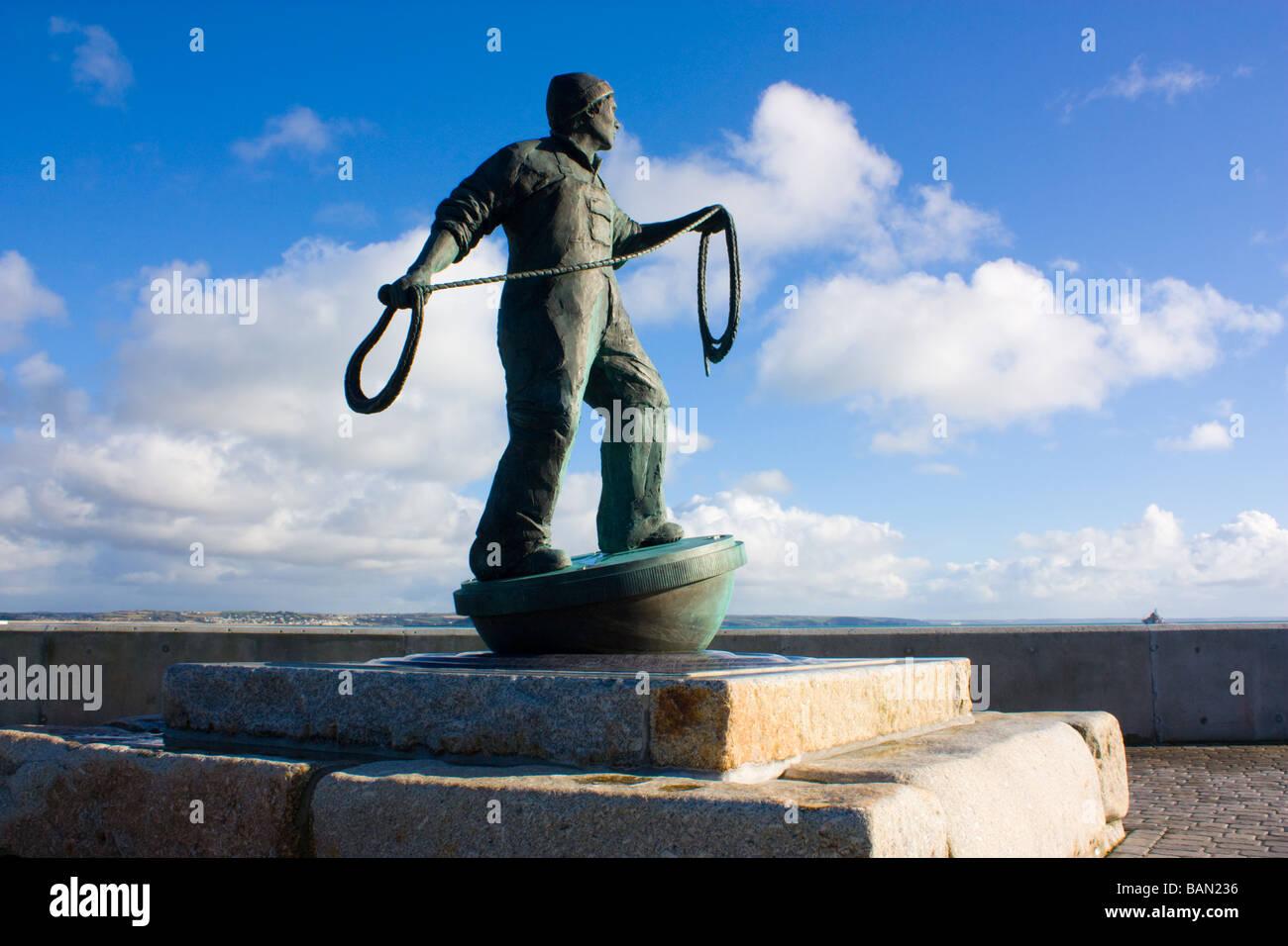 Denkmal für Fischer verloren auf See Newlyn Cornwall Stockbild