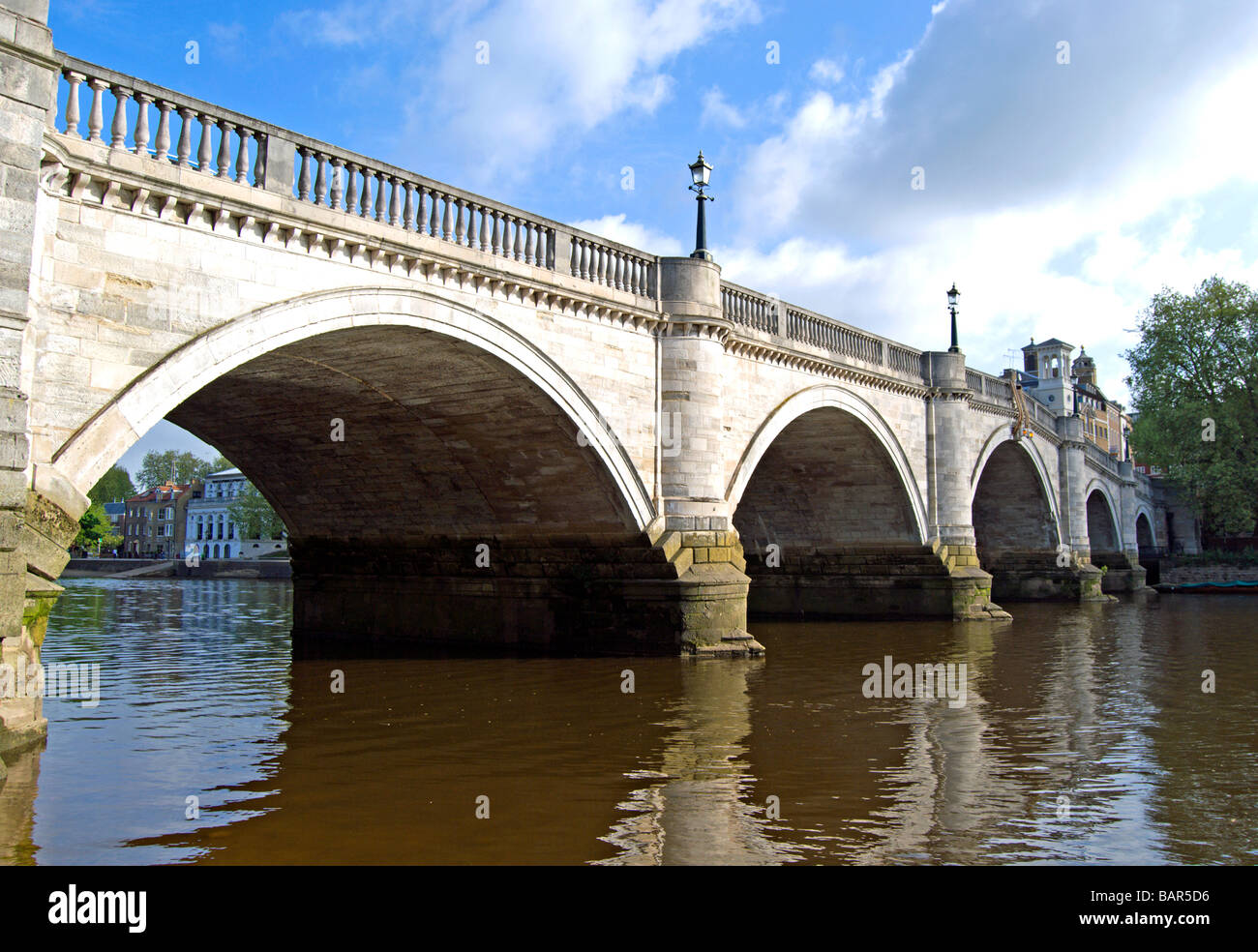 Richmond-Brücke über die Themse in Richmond nach Themse, Surrey, england Stockbild