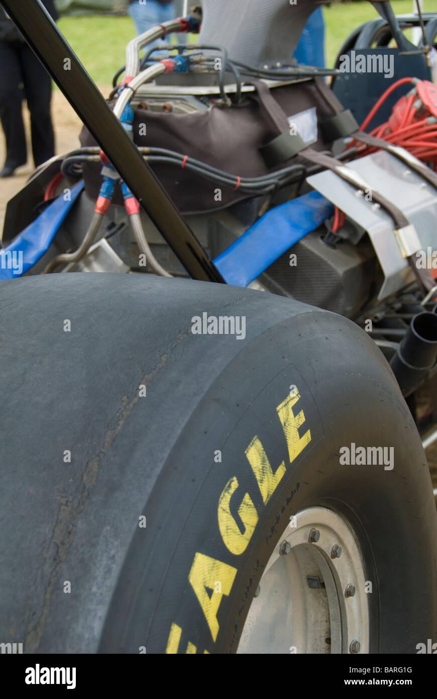 Eine Ansicht von hinten von einem Top Fuel Dragster Stockbild