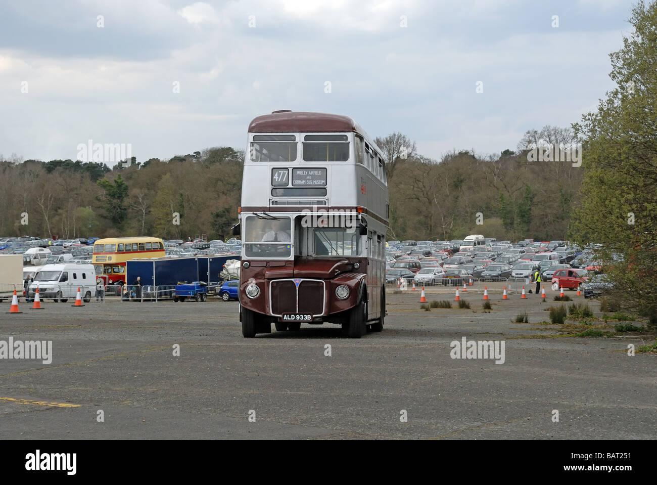 Dreiviertel Vorderansicht des ALD 933B 1964 AEC Routemaster RM 1933 Teil der East London Heritage Route Flotte als Stockbild