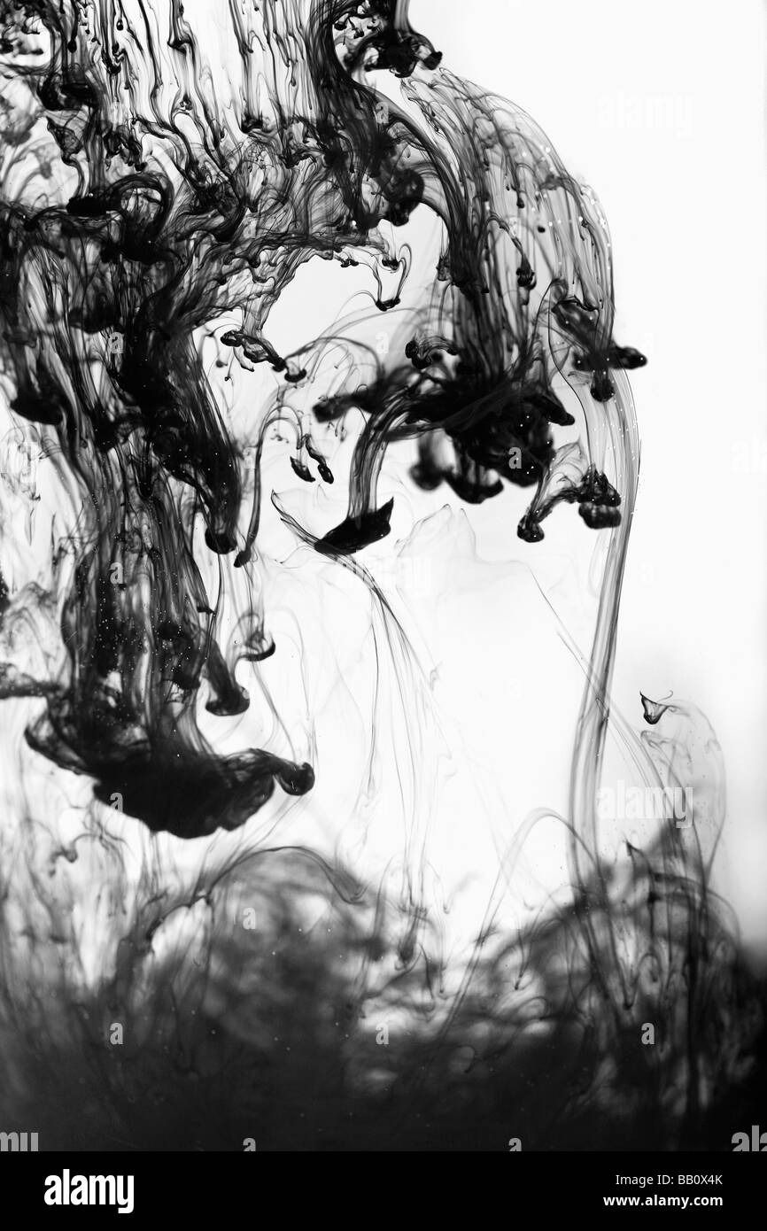 Tinte in das Wasser Konzept Stockbild
