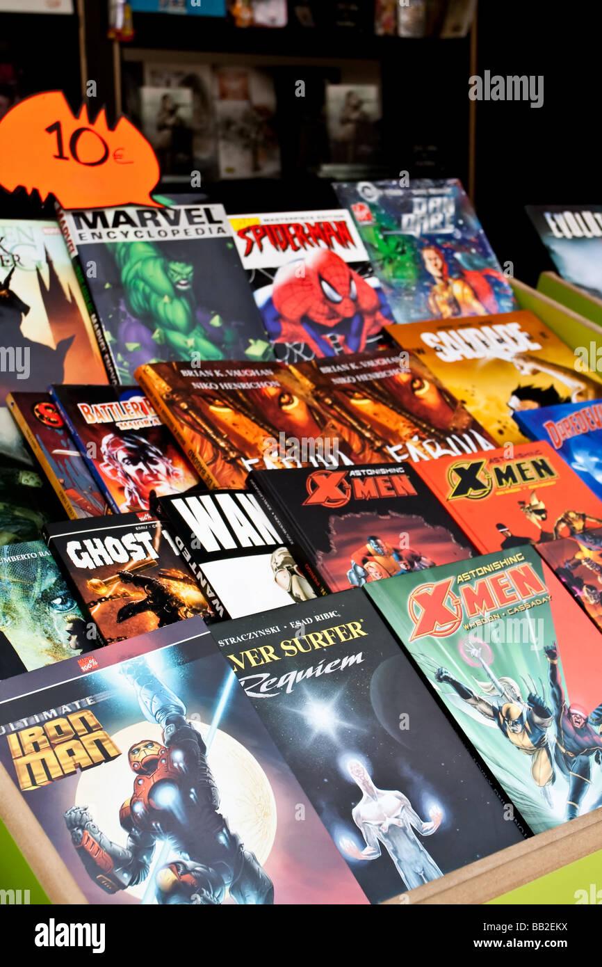 Comic-Bücher von mehreren Marvel-Superhelden in der 79. Lissabon Book Fair - 2009. Stockbild