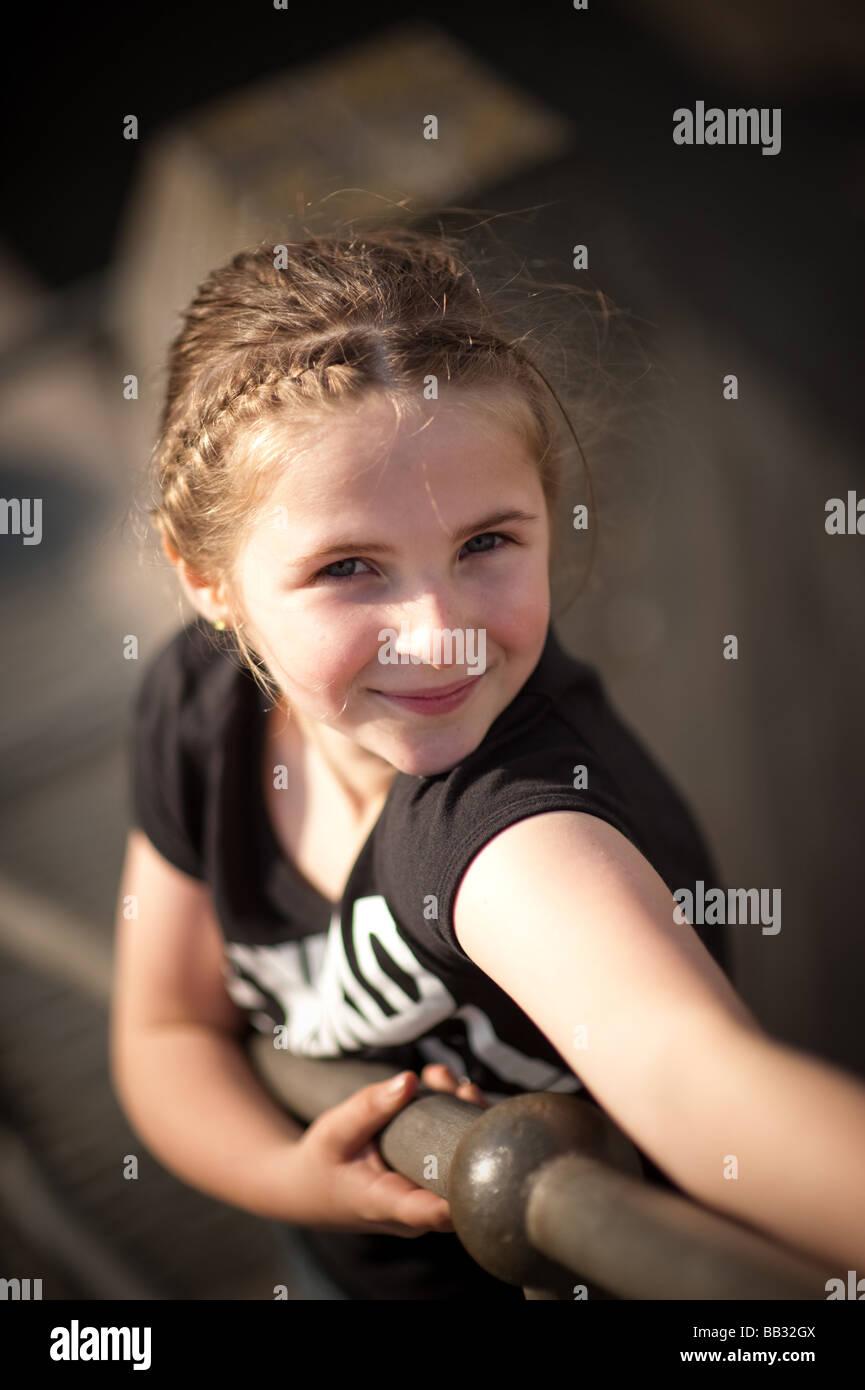 Glücklich Lächelnd Hübsche Junge 0910 Elf Jahre Altes Mädchen