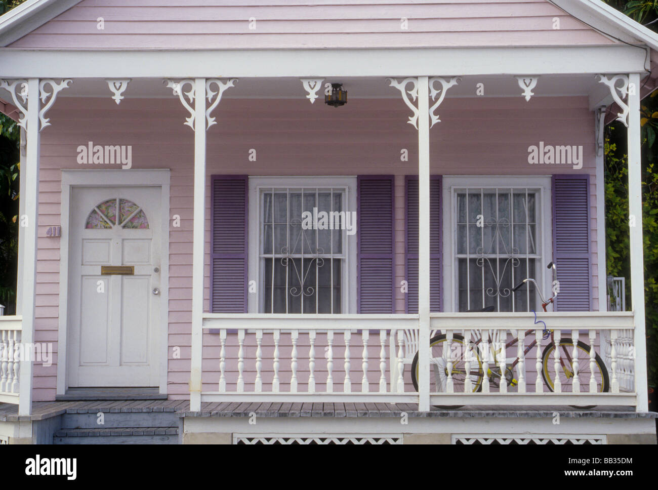 Künstlerisch Haus Mit Veranda Foto Von Usa, Florida, Key West, Pastell
