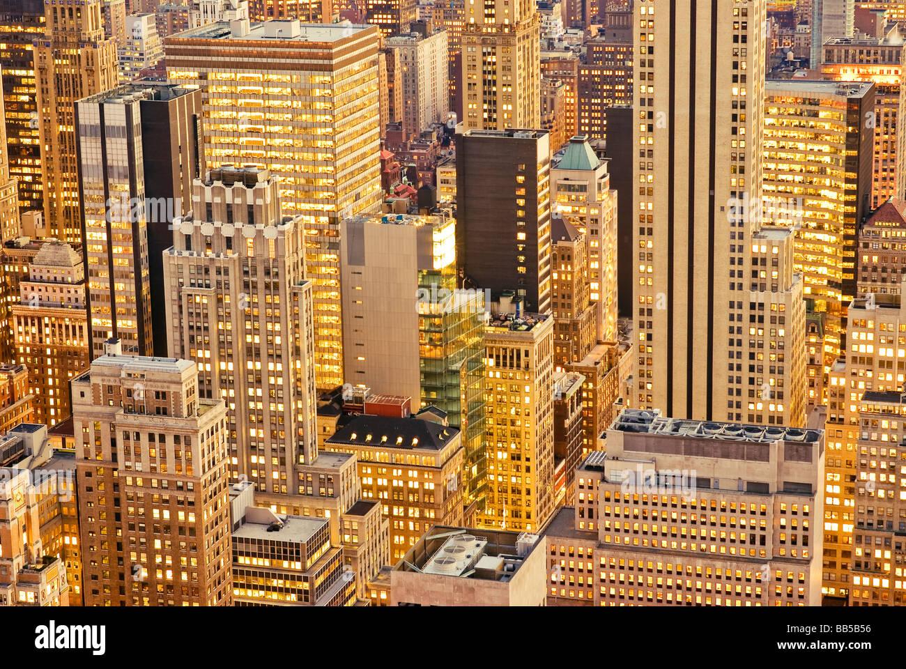 Antenne-Manhattan-Bürogebäude in New York City Stockbild