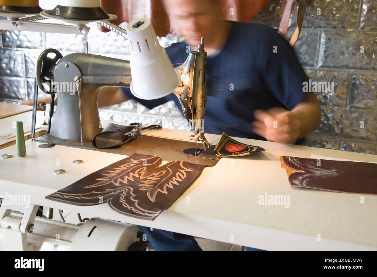 Traditionelle Schuhmacher-Werkstatt Stockbild