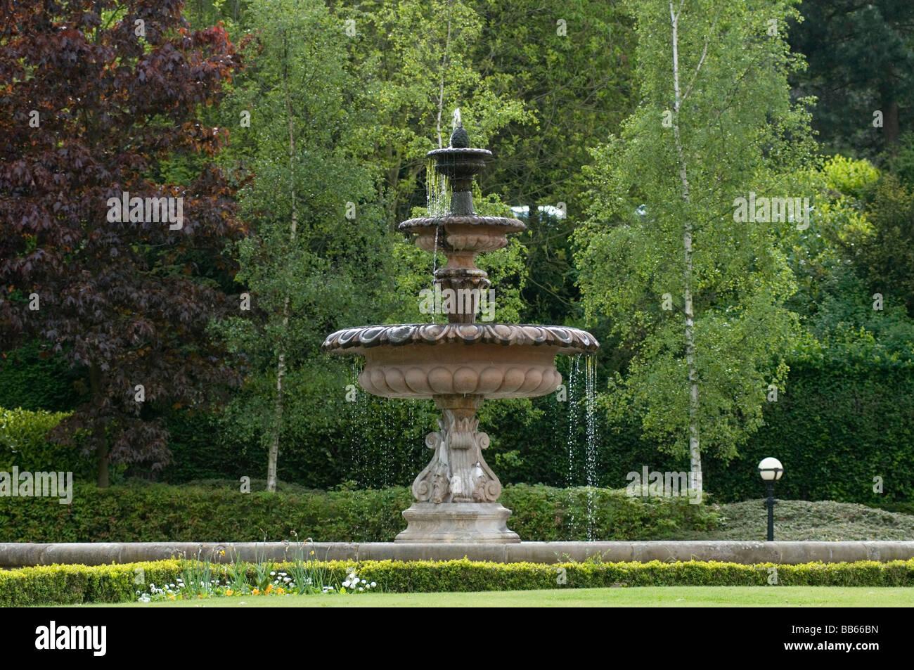 springbrunnen brunnen garten garten wasser stockfoto, bild: 24108329