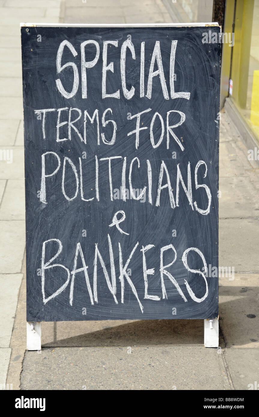 Sonderkonditionen für Politiker Banker geschrieben am Plakat Stockfoto