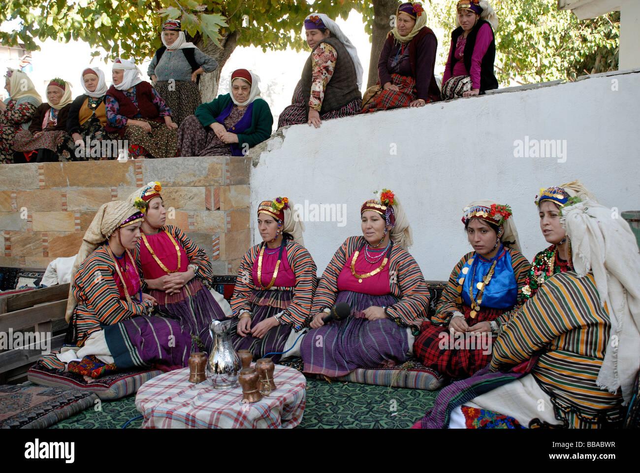 Turkey Traditional Wedding Stockfotos & Turkey Traditional Wedding ...
