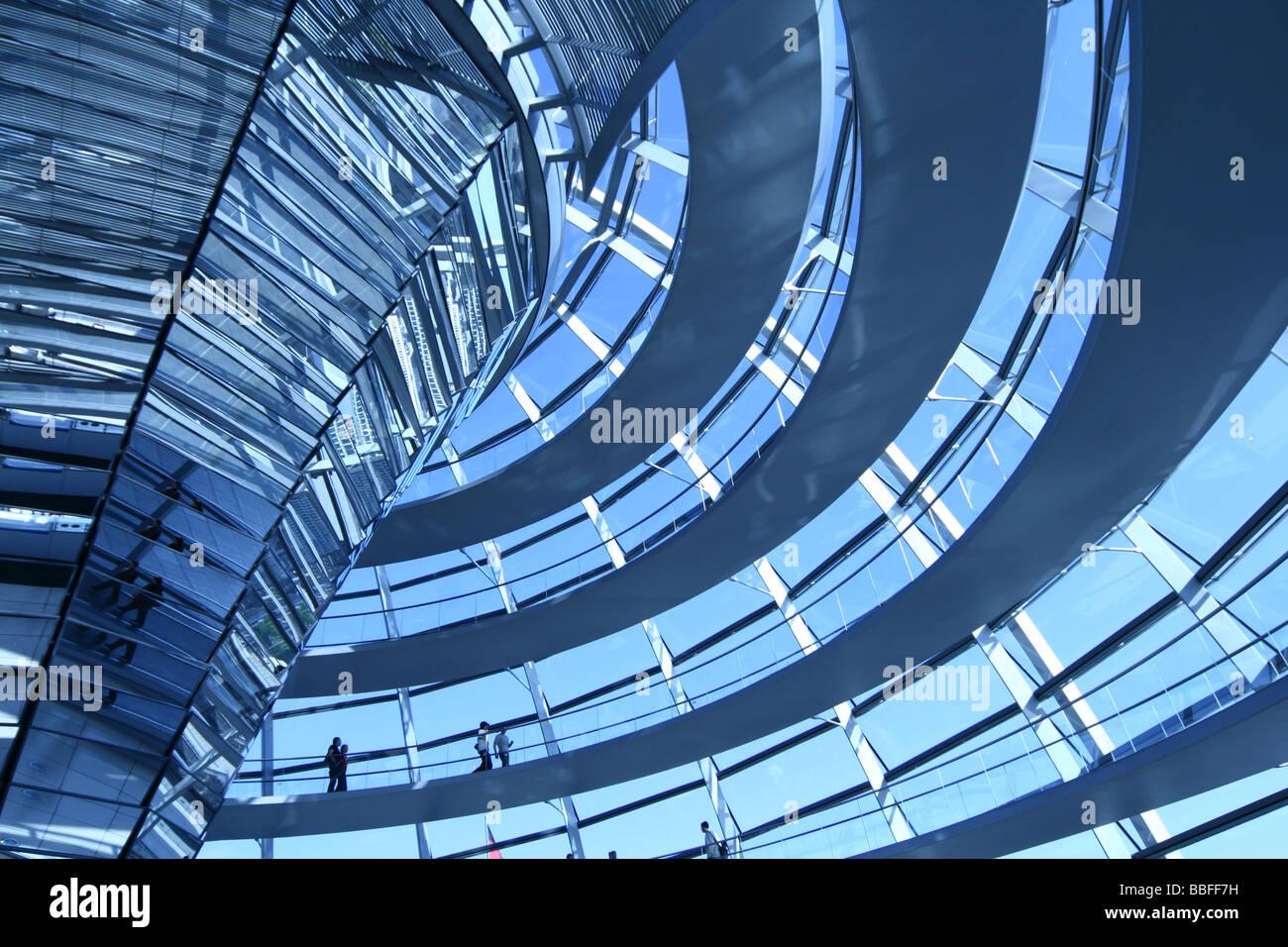 Modernen Kuppel des Reichstags in Berlin. Reichstag ist Deutschlands Parlamentsgebäude Stockbild